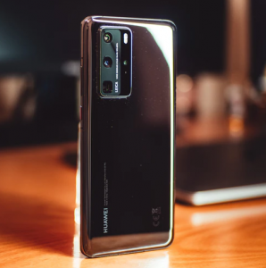 huawei becomes smartphone best seller for first time