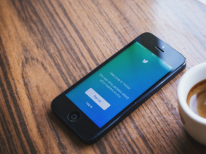 twitter to label government and state-affiliated accounts