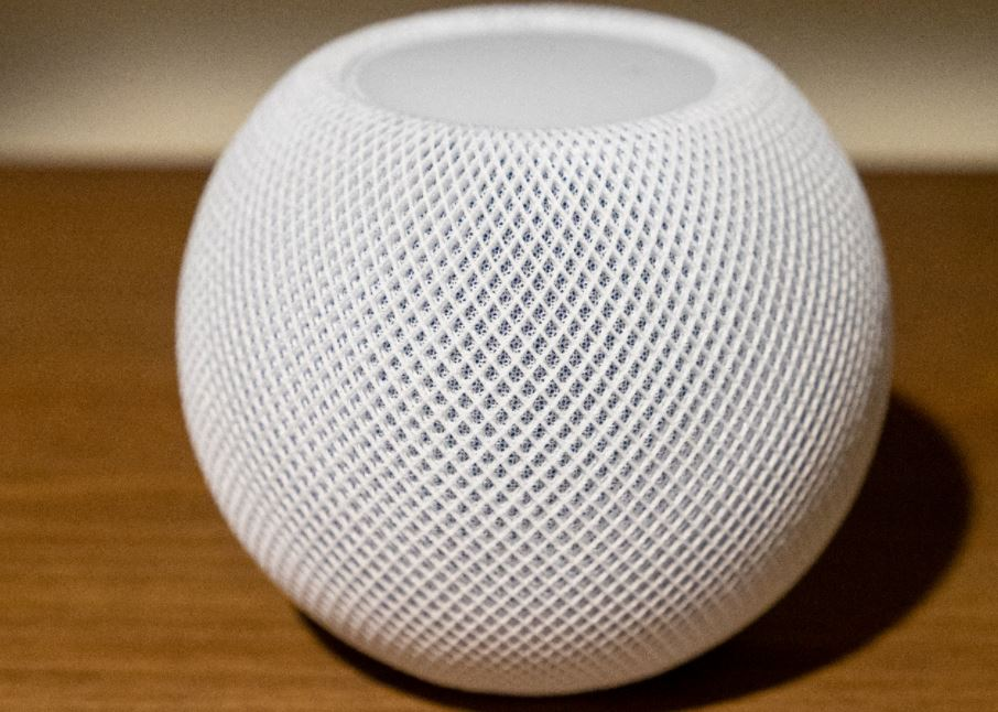 Apple's HomePod mini apparently has an inactive temperature and humidity sensor
