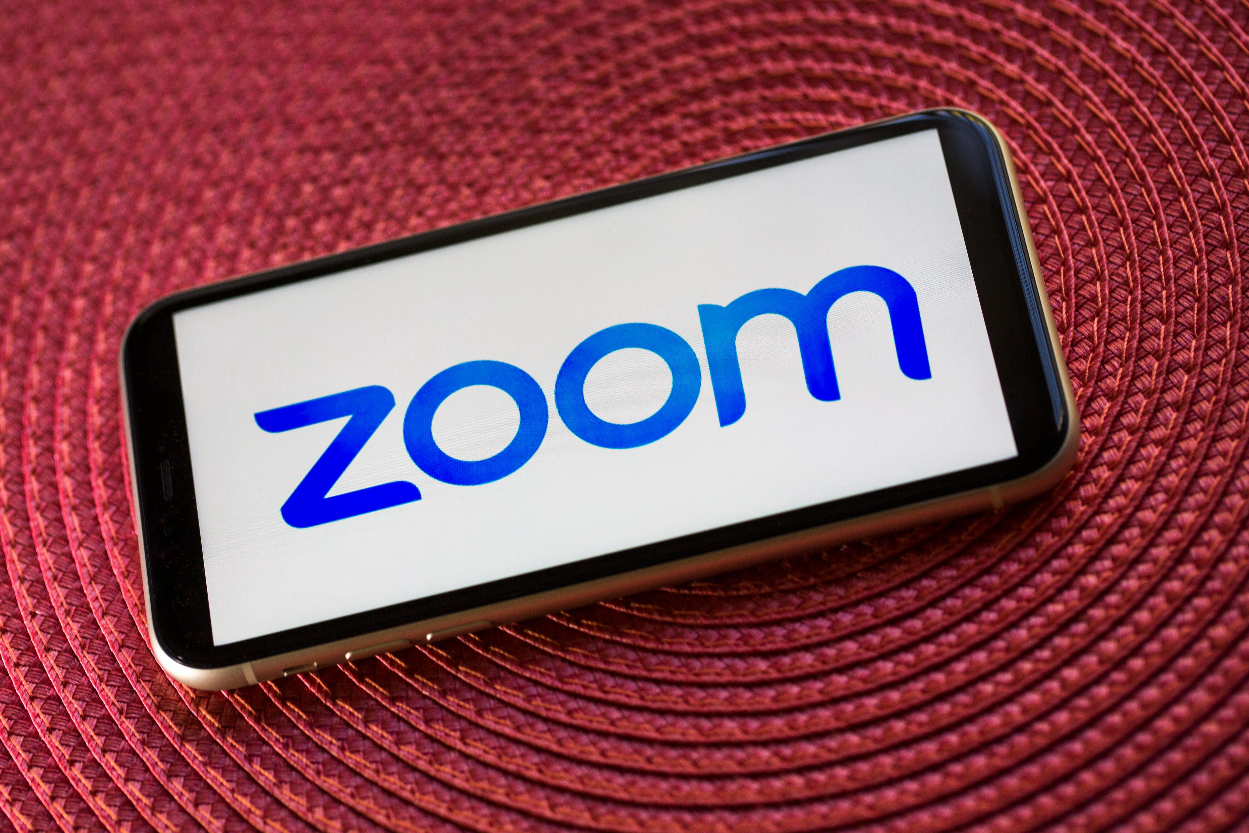 zoom-logo-apple-iphone-11-3436